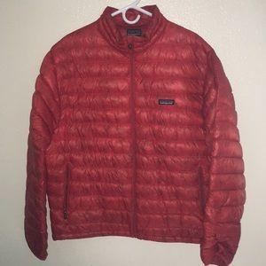 Men's large puffy Patagonia jacket. Red